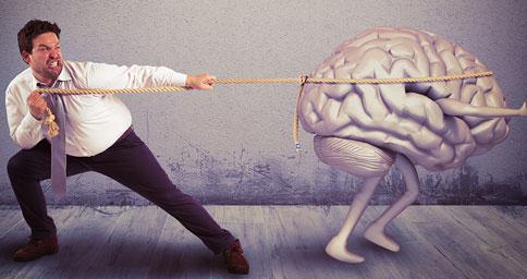 hombre-luchando-con-cerebro